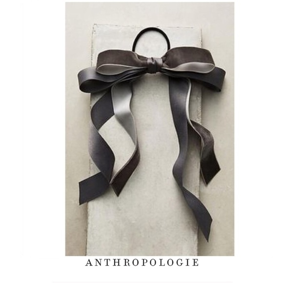 Anthropologie Accessories - NEW Anthropologie Velvet Bow Hair Tie in Gray e393dc9a594